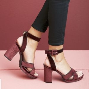 Sole Society Rafianna wine velvet block he…